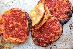 Le pizzette rosse rotonde del forno, quelle anni '80
